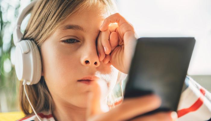 が 痛い ヒリヒリ 目 目が痛い原因。充血してチクチクしたりしみる症状がある場合の治し方は?