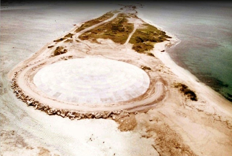 最も有害な放射能が漏出!? マーシャル諸島の「ドーム」にひび割れを ...
