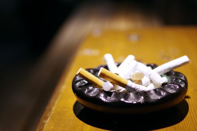 喫煙 者 声優