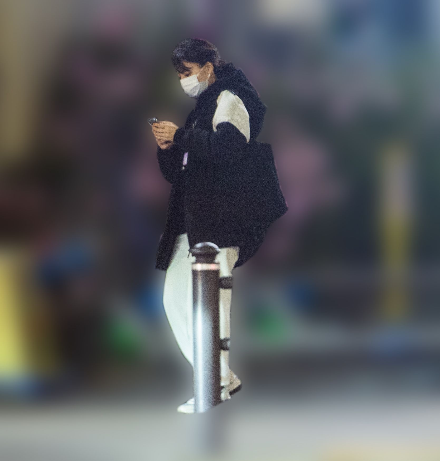 """活動休止発表】「AKB48の新グラビア女王」鈴木優香(20)が40代アイドルプロデューサーと""""合鍵半同棲""""《スクープ   ニコニコニュース"""